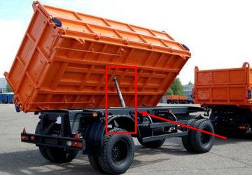 Прицеп НЕФАЗ 8560 грузовика КАМАЗ в поднятом состоянии